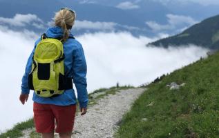 Brauchen Frauen eine besondere Ausrüstung zum Wandern?