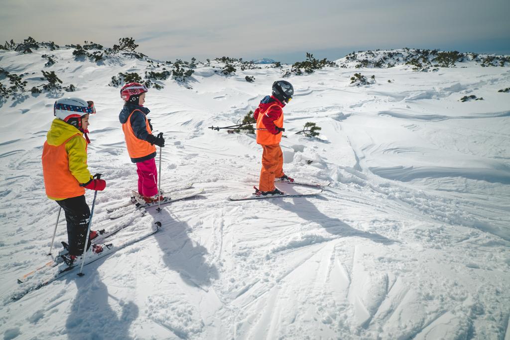 Kinderen op de piste in Skirama