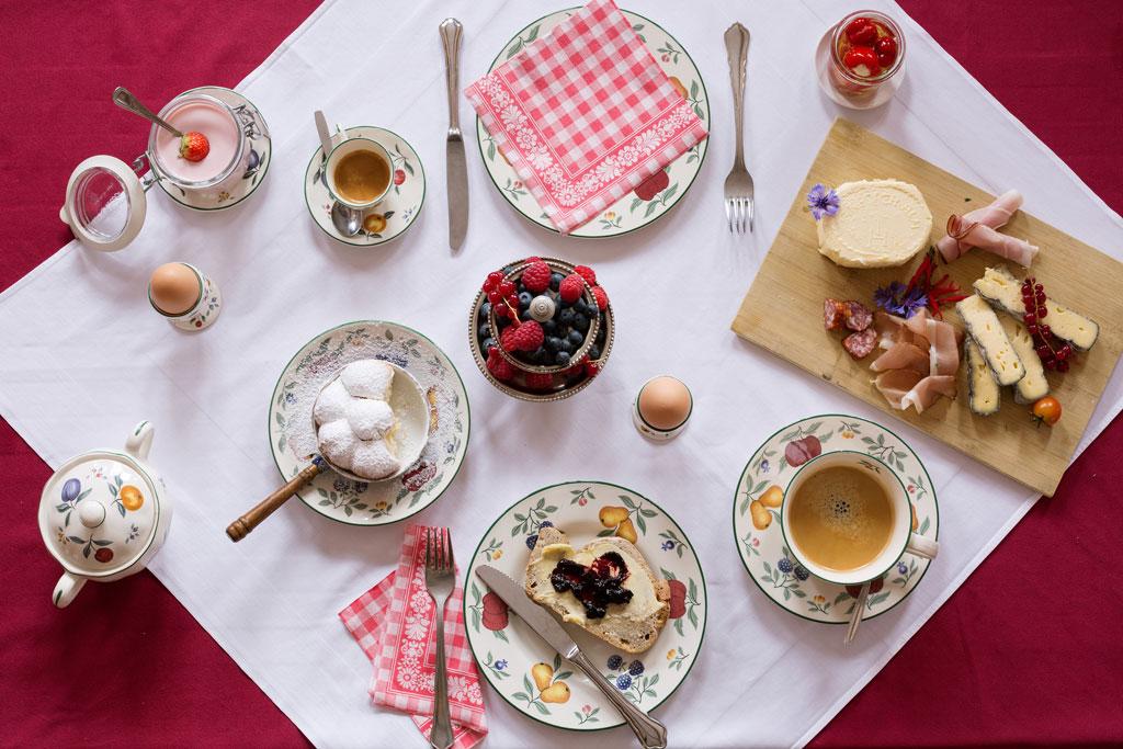 Tafel met eten in Tirol