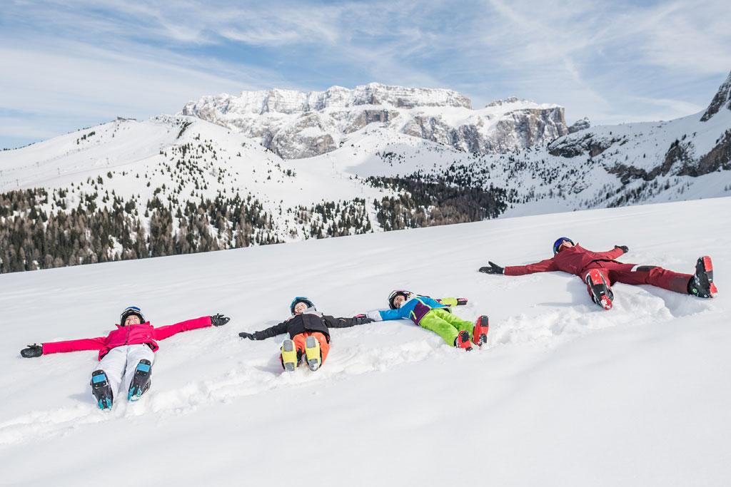 familie in de Dolomiti Superski