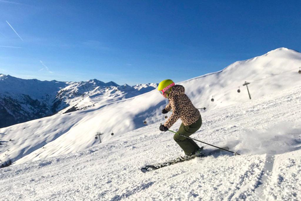 skiën op een piste