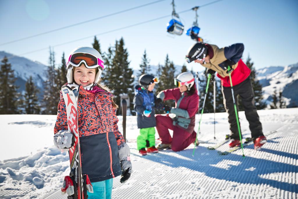 Familie in het skicircus
