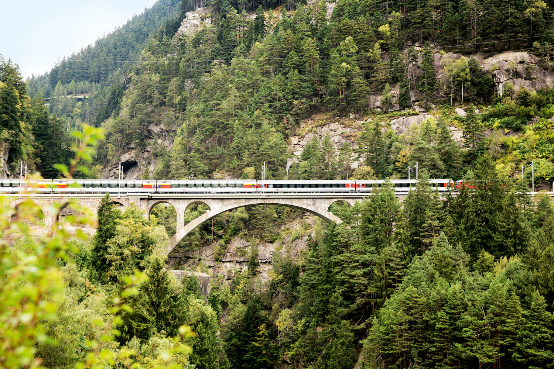 Reizen met de Gotthard Panorama Express in Zwitserland