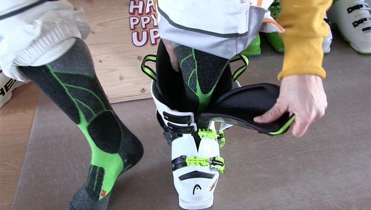 Skischoenen aantrekken