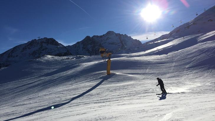 Skiën op rode piste 11 vanaf de Rotkogl in Sölden