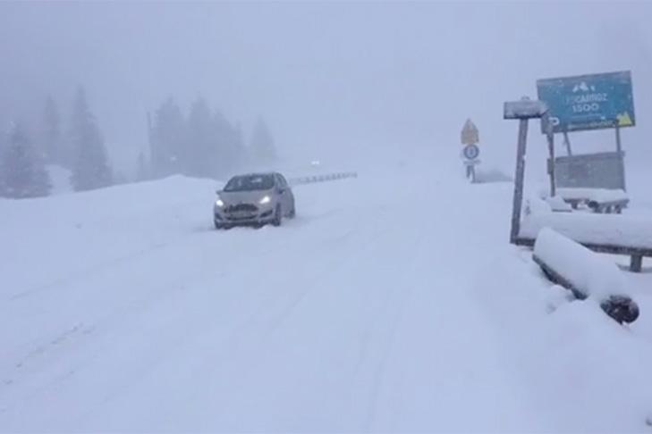 Sneeuw op de weg