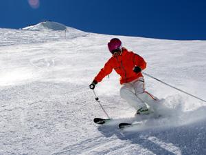 Skiën op een lege piste