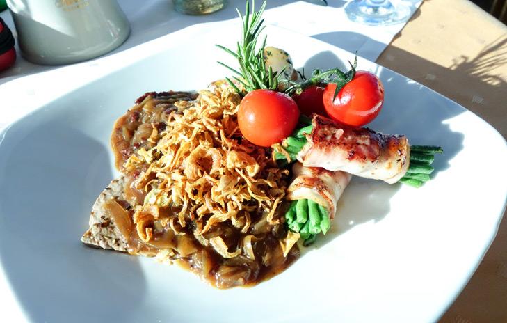Zwiebelrostbraten eten bij restaurant Pardorama