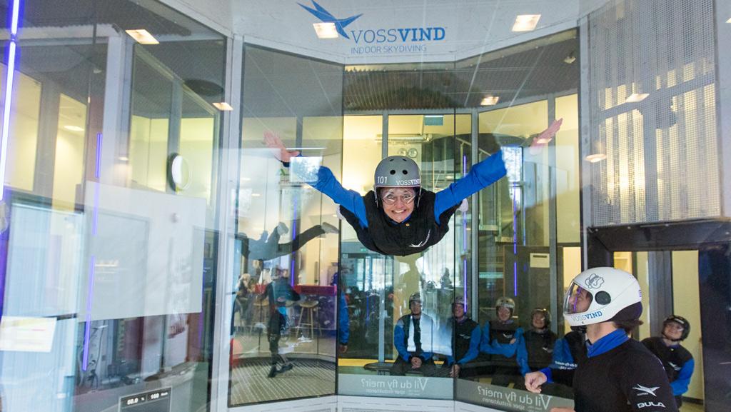 Skydiven in de windtunnel bij Voss Vind