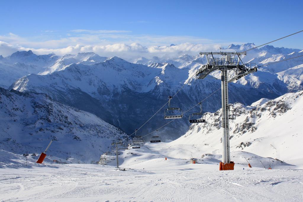 Piste Mauriennaise vanaf de Col de Rosael (3000 meter) in Val Thorens