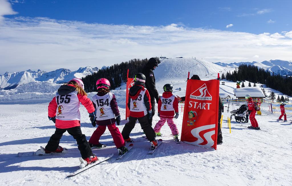 Een skiklasje op de piste in Serfaus-Fiss-Ladis