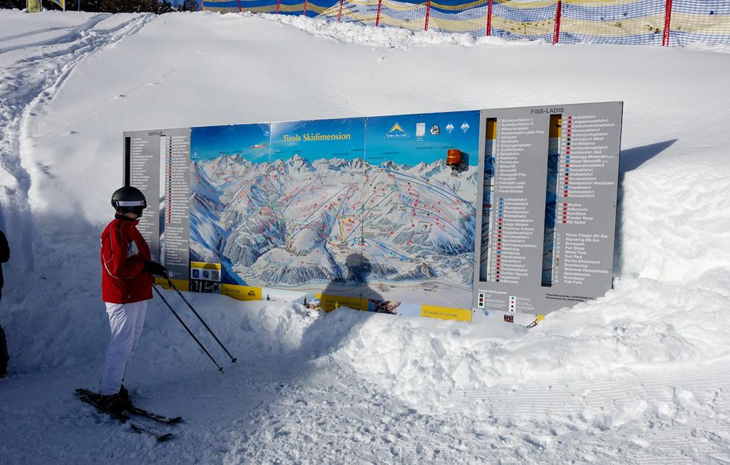 Pistekaart met skiër in Serfaus-Fiss-Ladis