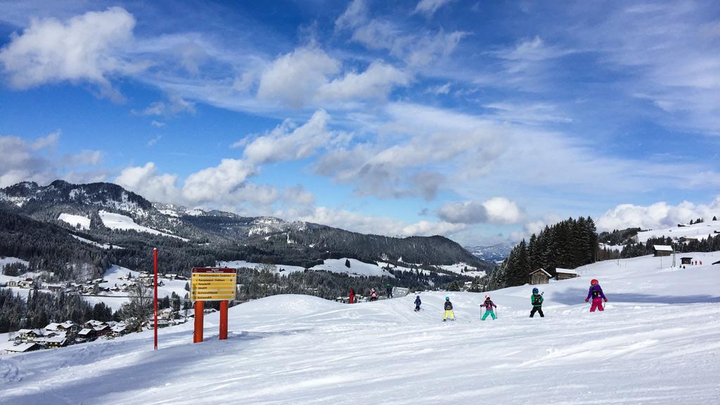 Een skiklasje op de piste in Kleinwalsertal & Oberstdorf