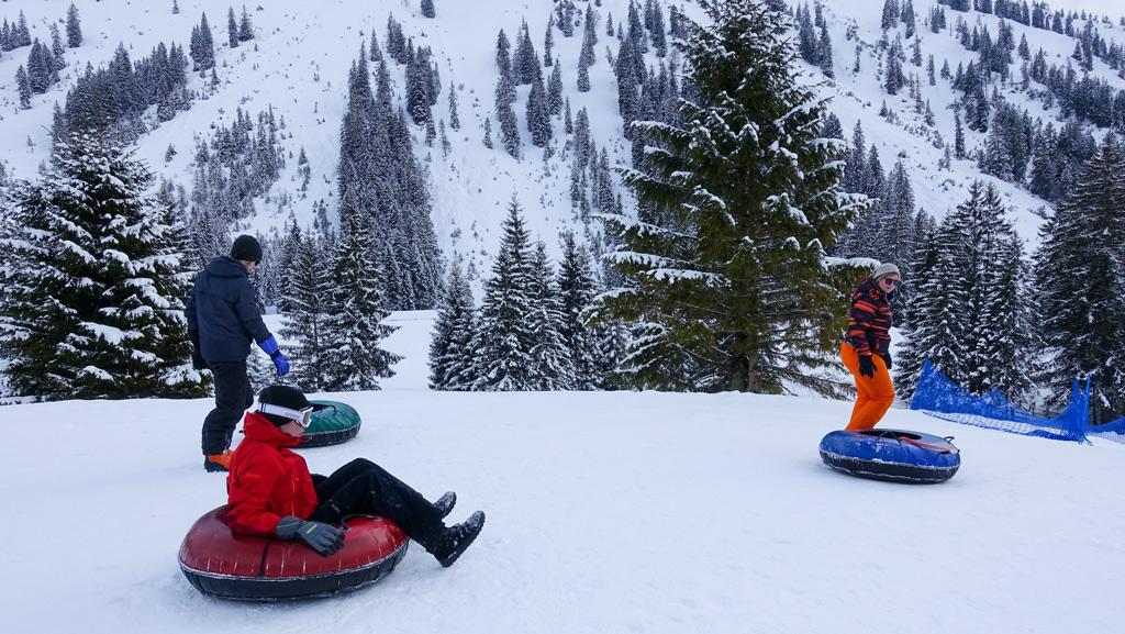 Snowtuben op de Seealpe in Oberstdorf Kleinwalsertal