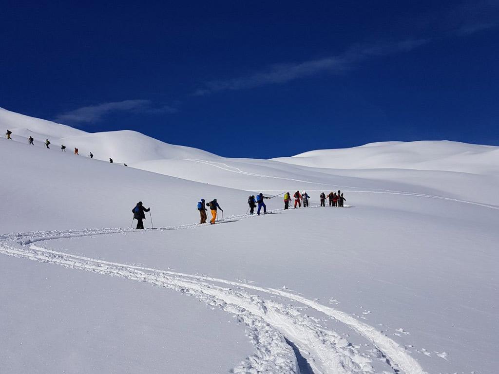 Toerskiën in de sneeuw in Livigno