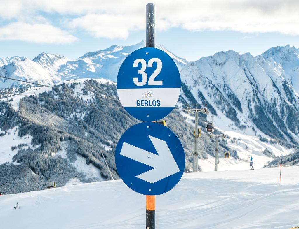 13 skigebieden met veel blauwe pistes: blauw piste bordje