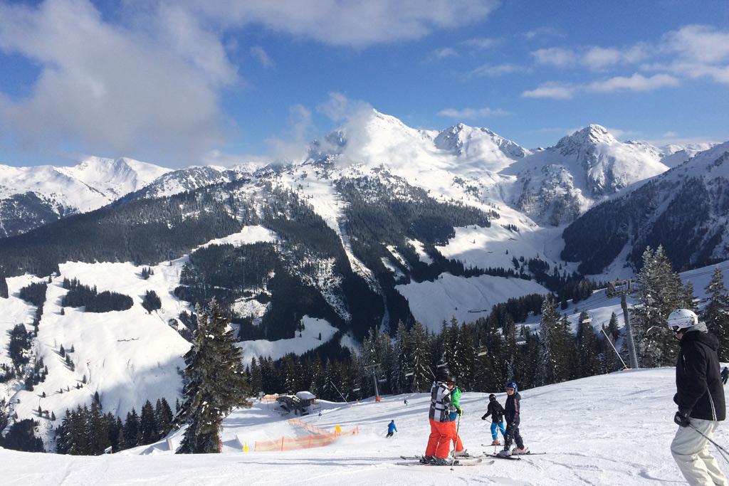 Skiën op de pistes in Ski Juwel
