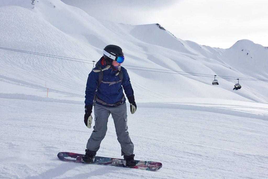 Snowboarden met een goggle op