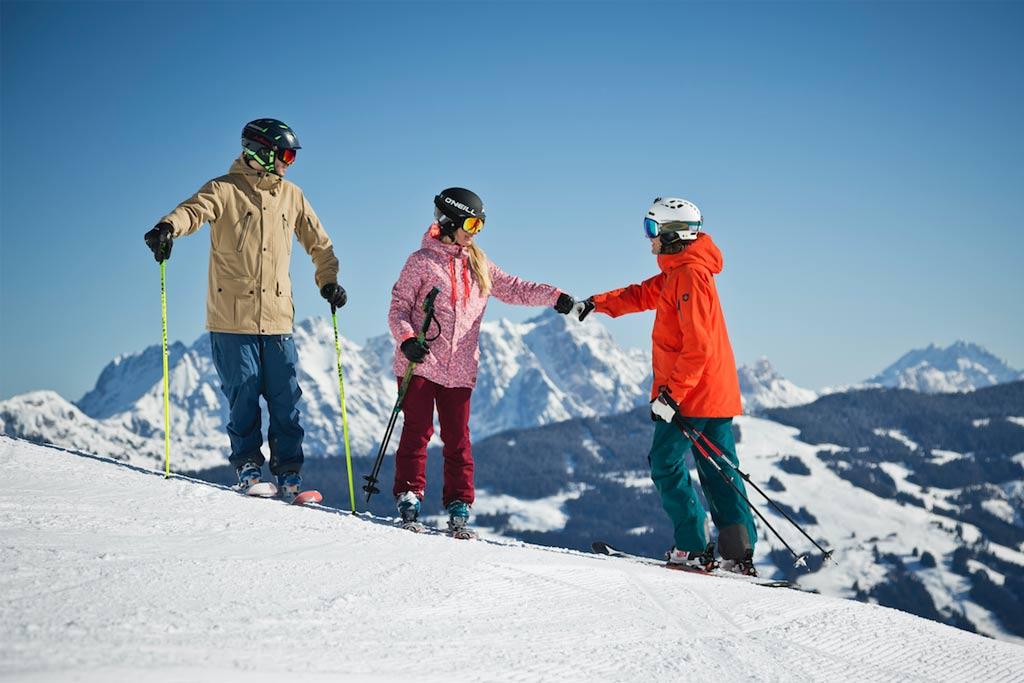 Skitochten skiën in het Skicircus met vrienden