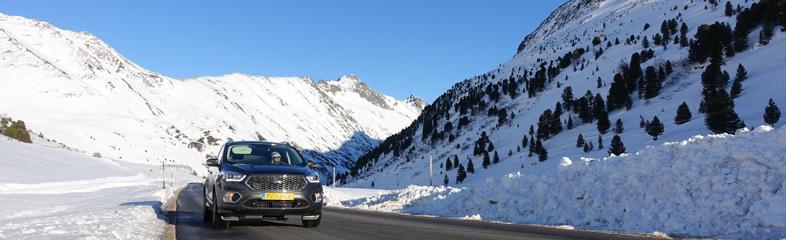 Met de auto op wintersport: wat is verplicht?