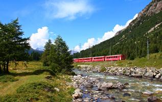 De 8 mooiste treinritten van de Alpen