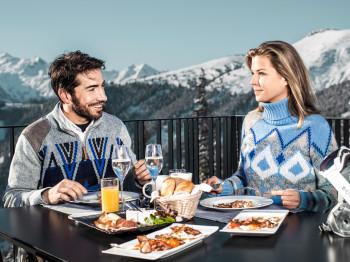 Essen Berge Schnee Skifahrer