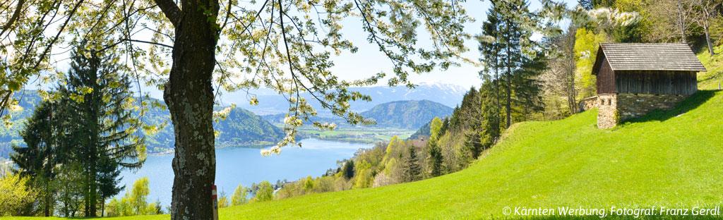 Uitzicht over de Ossiacher See