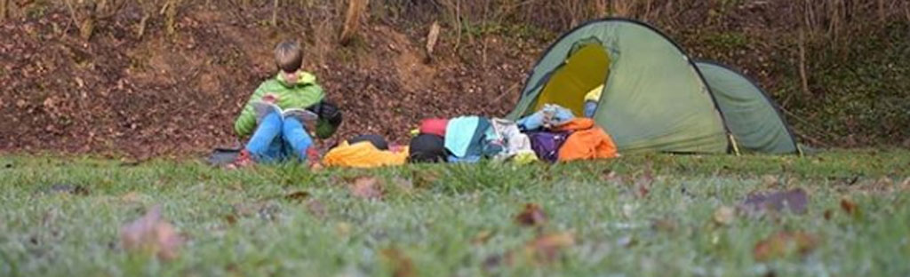 Kamperen in een tent in de winter: hoe doe je dat?