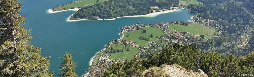 Uitzicht op de Walchensee vanaf de Herzogstand