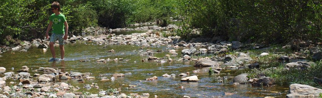 rivier doorwaden naar de overkant