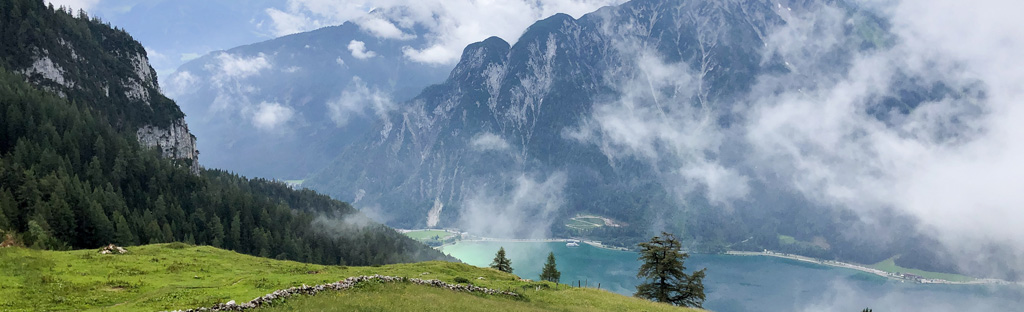 Uitzicht op de Achensee vanaf de Dalfazalm
