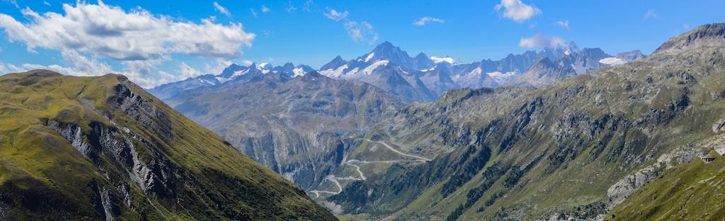 Uitzicht op Gotthard pass