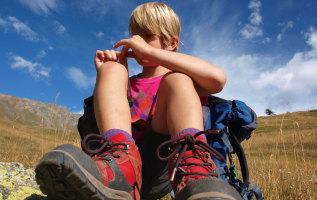 Welke uitrusting neem je voor je kinderen mee naar de bergen?