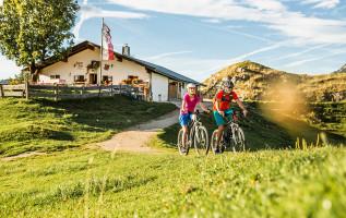 Fietsen in de regio Hohe Salve: de mooiste fietsroutes