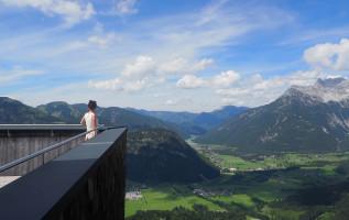 Spectaculair uitzicht vanaf het Jakobskreuz in het Pillerseetal (Tirol)