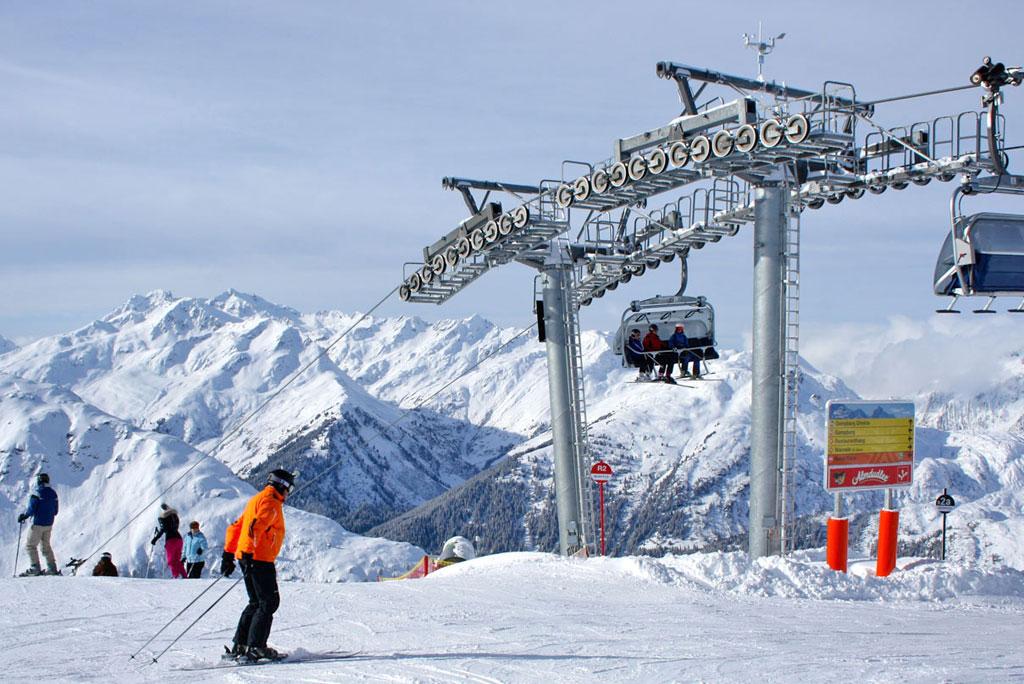 Sessellift im Skigebiet Ski Arlberg