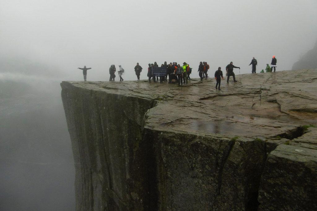 Wandelen in de bergen Noorwegen: Preikestolen