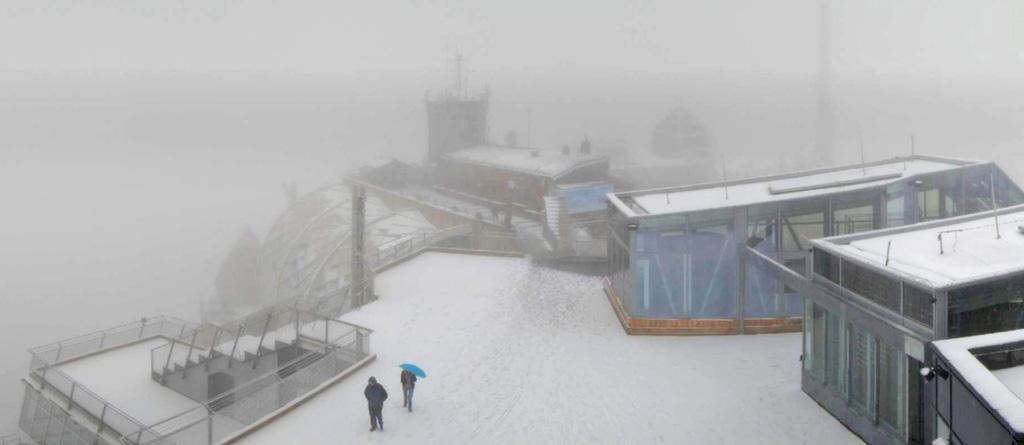 Verse sneeuw Zugspitze