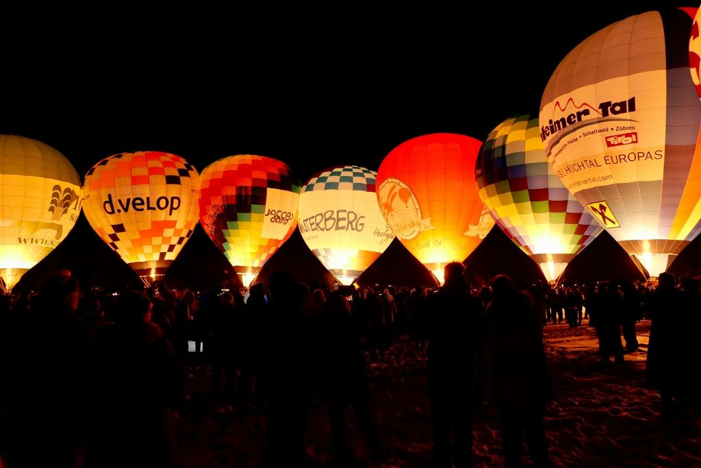 Ballonglühen Tannheimer Tal bei Nacht