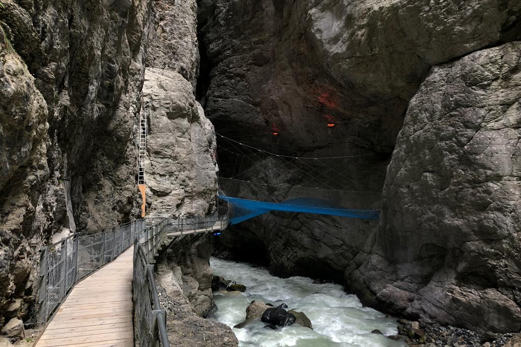 Net in de Gletscherschlucht
