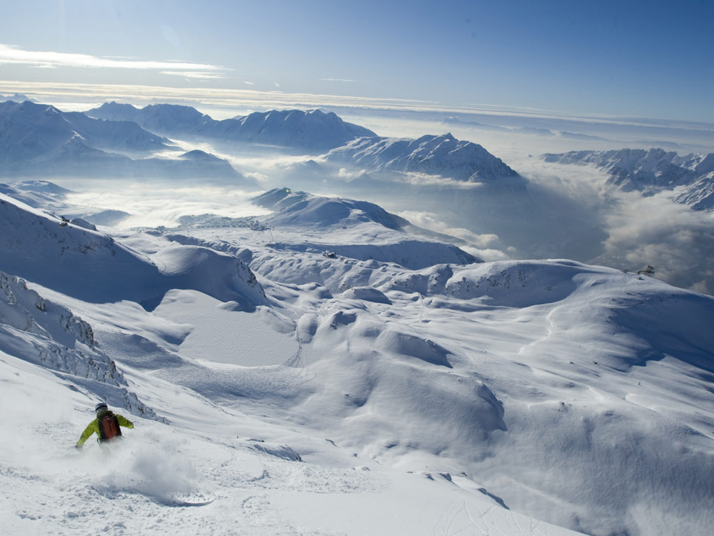 High-altitude skiing at l'Alpe d'Huez