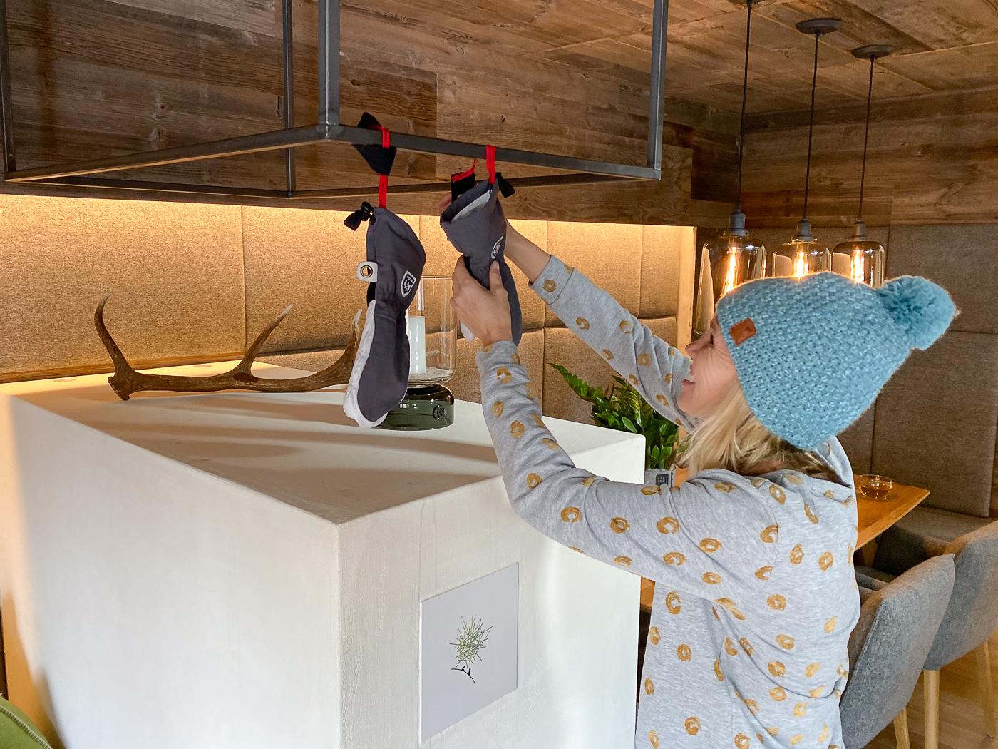 Handschoenen drogen in het chalet