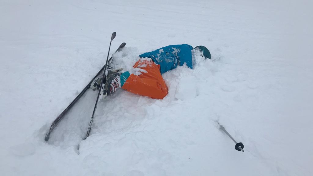 Valpartij diepe sneeuw