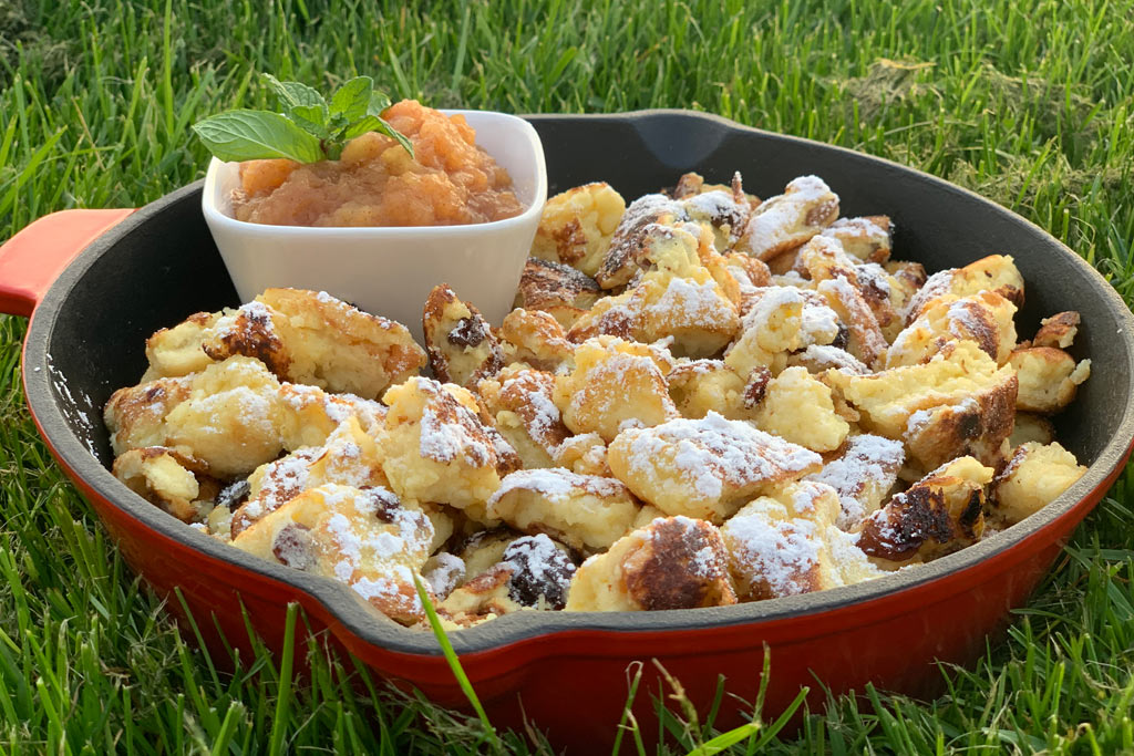 Kaiserschmarrn with applesauce