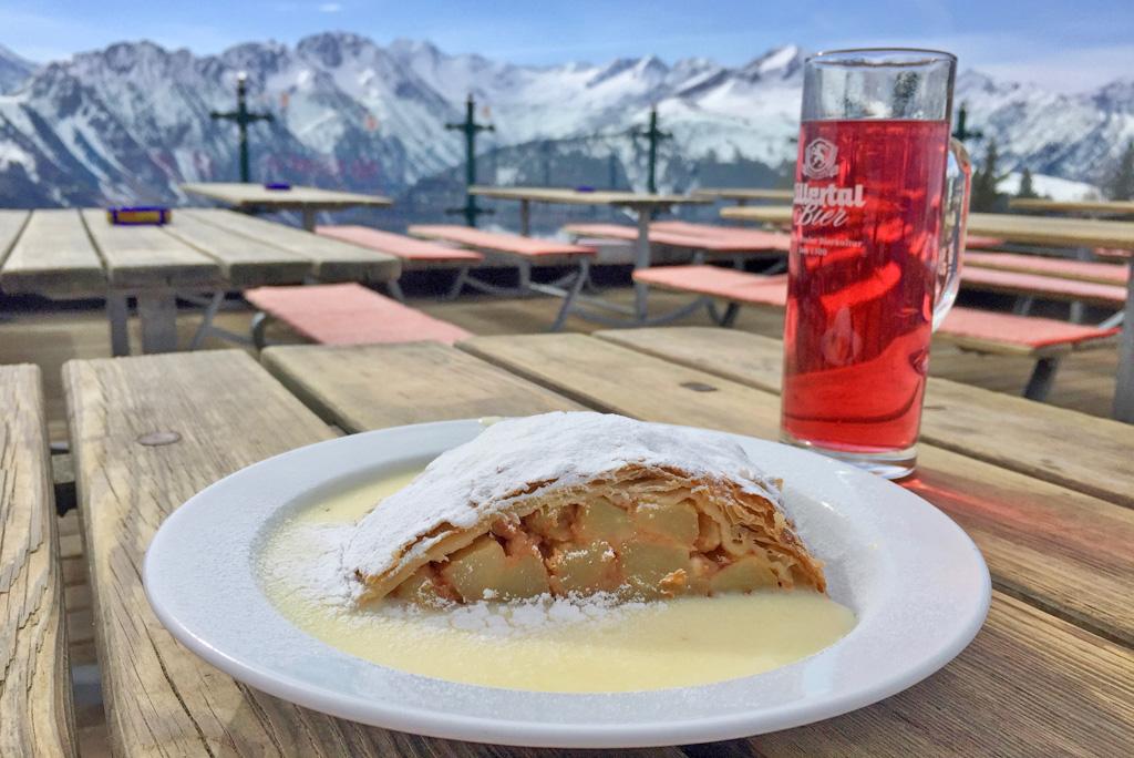 Apfelstrudel mit Skiwasser