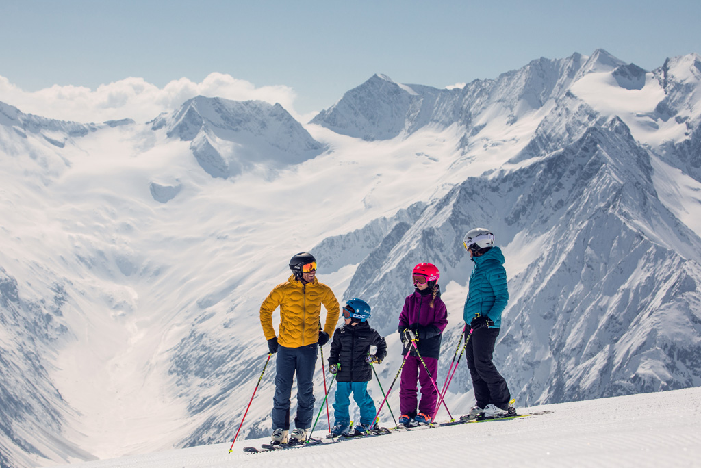 Family ski holidays on the glacier in the Zillertal
