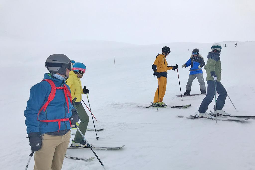 Groep skiën