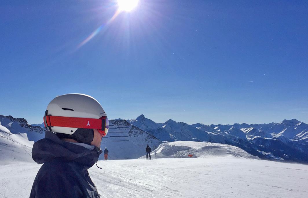 Altijd een skihelm dragen