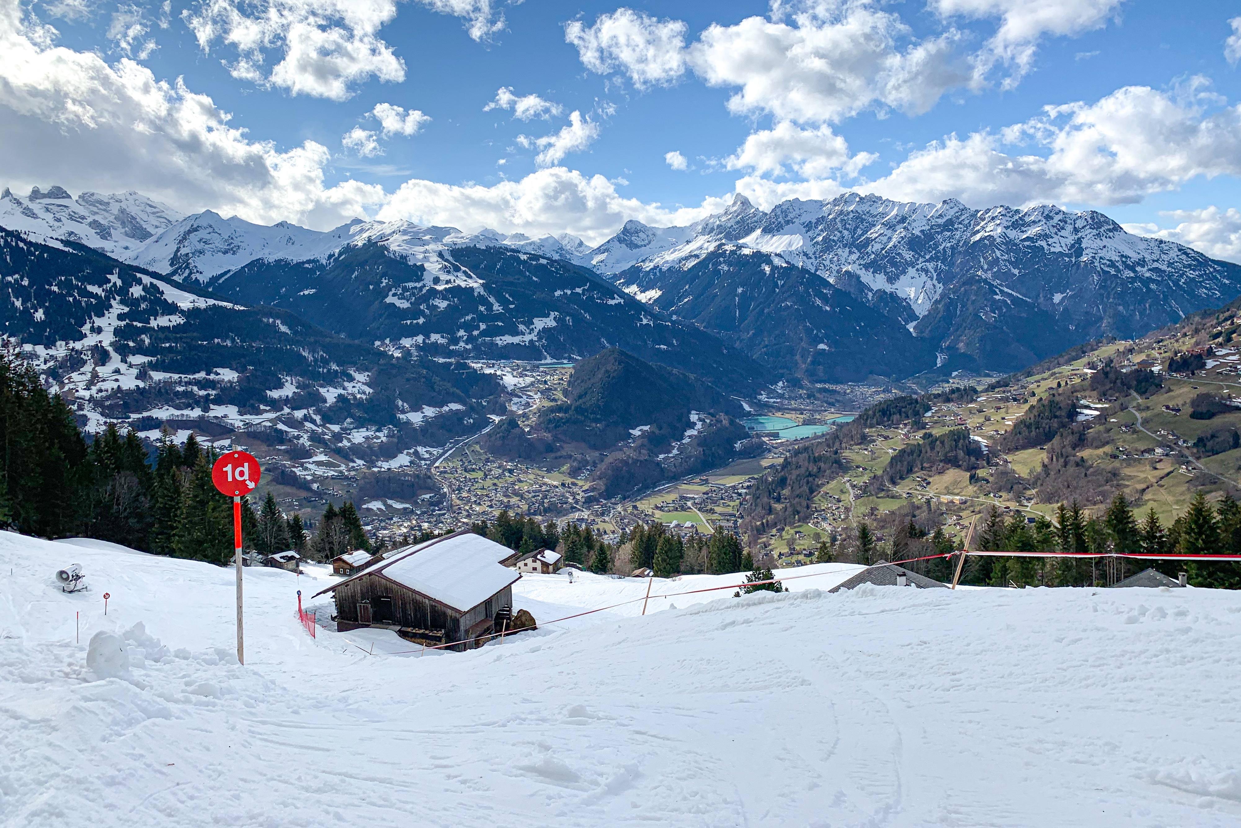 Skiën in de lente met papsneeuw