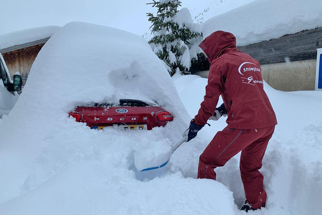 auto uitgraven